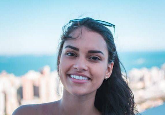 beautiful-beauty-brazilian-woman-1102341-1024x683-600x400-landscape